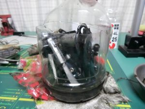 灯油につけてパーツを洗浄