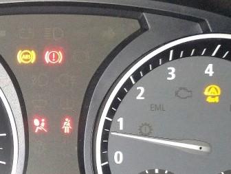 X3 E83 LCI ABS、4ⅹ4、エアバッグ、ブレーキ警告灯が一度に点灯!